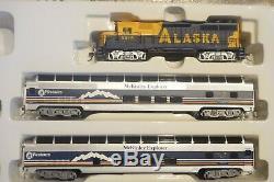 BACHMANN HO GP-40 ALASKA McKINLEY EXPLORER READY-TO-RUN TRAIN SET, IN BOX