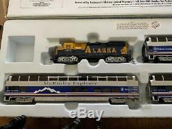 BACHMANN HO Scale Alaska McKinley Explorer READY-TO-RUN TRAIN SET with Extras