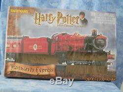 Harry Potter Hogwarts Express HO Train Set, Ready to Run