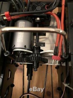Kyosho MAD CRUSHER VE 4WD READYSET EP 2.4GHz (KT231P-TORX8-BRAINZ8 ESC) RTR 18