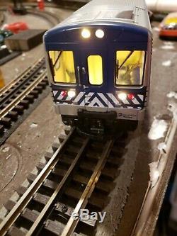 LIONEL 6-82188 Metro-North Railroad M7 Train Set ready to run Loin Chief Remote