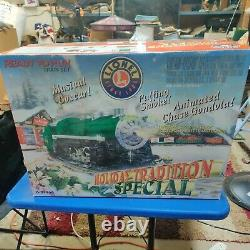 Lionel Holiday Tradition Special smoking train set 6-31966 RTR Ready To Run