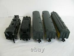 Lionel Trains Complete Ready to Run Chicago & North Western Passenger Set #30120