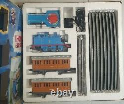 Thomas and Friends HOLIDAY Lionel Ready to Run Remote Train Set O Scale Fastrack