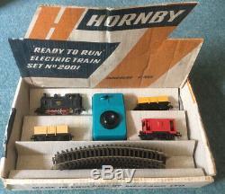 Vinatge Hornby Dublo 2001 Ready to Run Electric Train Set No. 2001- circa 1964