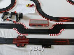 Afx Tomy 45' Mega Géant Raceway Piste Slot Car Set 4' X 7 1/2' 100% Prêt À L'emploi