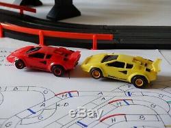 Afx Tomy 72' Mega Géant Raceway Piste Slot Car Set, 4' X 8' 100% Prêt À L'emploi