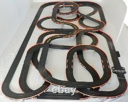 Afx Tomy 75' Mega Géant Raceway Piste Slot Car Set, 4' X 8' 100% Prêt À L'emploi