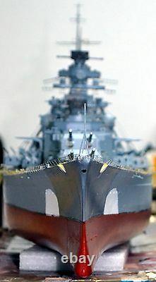 Bismarck 1/200 Trompettiste 03702 Radiocontrol Fertiggebaut Prêt À Fonctionner