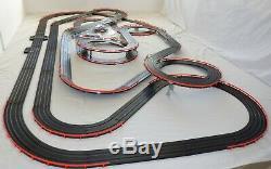 Énorme 61' Afx Tomy Raceway Géant Piste Emplacement Set Voiture, 100% Prêt À L'emploi