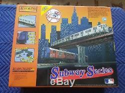 O Mth Rail La Série Subway Du King Ny Yankee Prêt À Fonctionner Avec Son Nisb