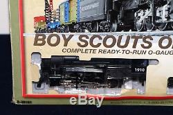 Un Train Lion Scouts Of America Prêt À Fonctionner Avec Une Voie Et Un Transformateur